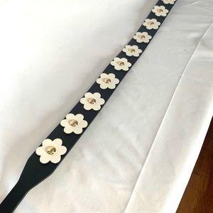 Michael Kors Bags - Michael Kors Flower purse strap 🌸 🌺